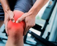 Что делать, если болят колени при приседании и вставании — эффективные методы лечения
