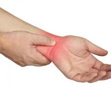 Растяжение связок запястья — чем грозит не лечение болезни
