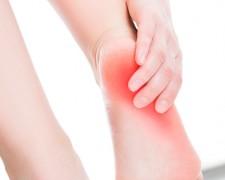 Распространенные причины боли в пятках при ходьбе — меры профилактики