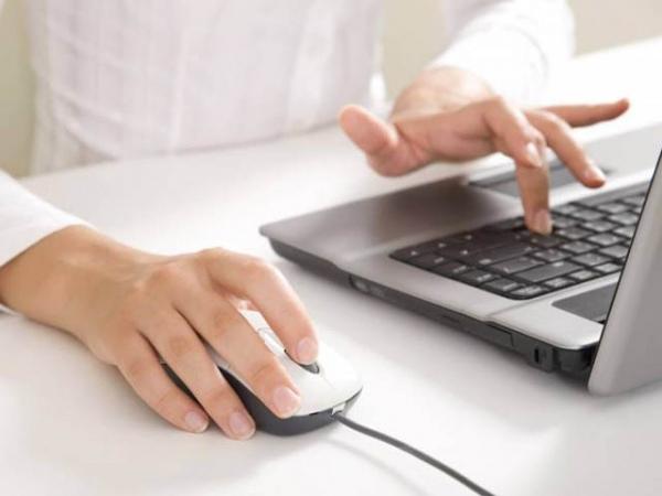 Если долго работать за компьютером, можно почувствовать онемение пальцев