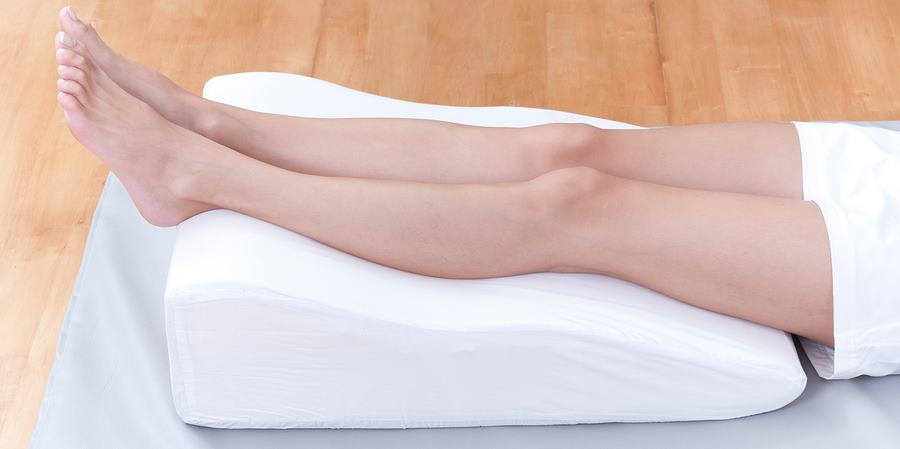 Используйте подушку для ног