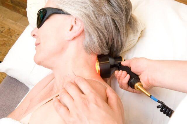 Лазеротерапия проводится для улучшения кровотока
