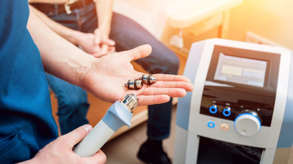 Ударно-волновая терапия — метод экстракорпорального кратковременного воздействия на костную и соединительную ткани акустическими импульсами значительной амплитуды низкой частоты