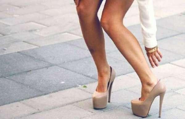 Бурсит часто возникает из-за ношения не подходящей человеку обуви