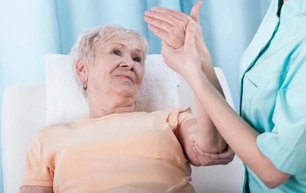 Если онемение возникло внезапно и не проходит долгое время, не стоит медлить с посещением врача