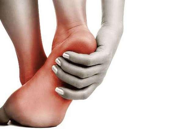 При плоскостопии человек страдает от болей после занятия физкультурой