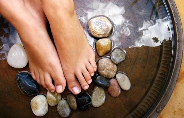 Помогут и контрастные ванны для ног