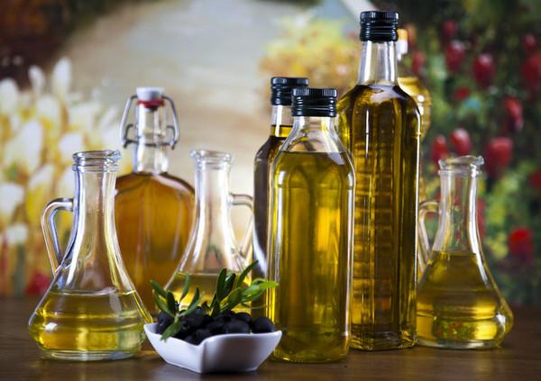 Оливковое масло поможет увлажнить кожу пяток
