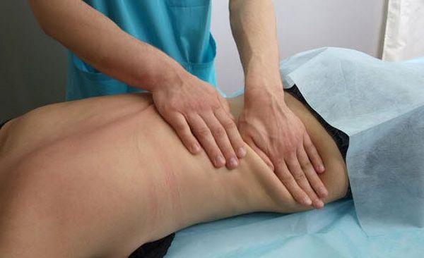 Массаж при защемлении седалищного нерва позволит улучшить проводимость нерва