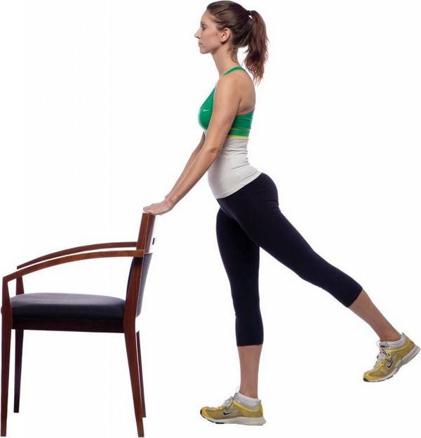 Упражнения можно выполнять стоя