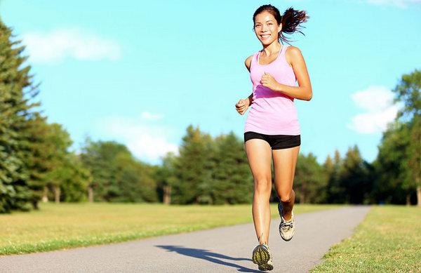 Врачи рекомендуют регулярно заниматься спортом