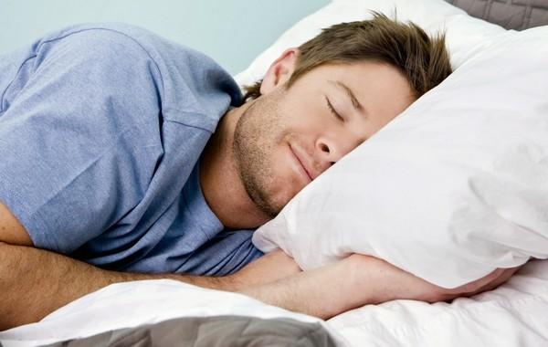 Конечно, очень важно и полноценно спать – это залог здоровья всего организма